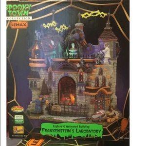 Lemax Spooky Town Frankenstein's Lab Halloween